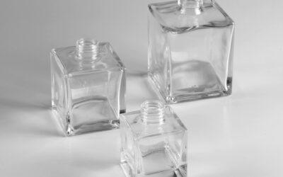 Flacone in vetro e personalizzazione: quale tecnologia di decoro e' la più efficace?
